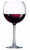 les-vins-et-boissons, verre de rouge, restaurant rosy-beach villeneuve loubet
